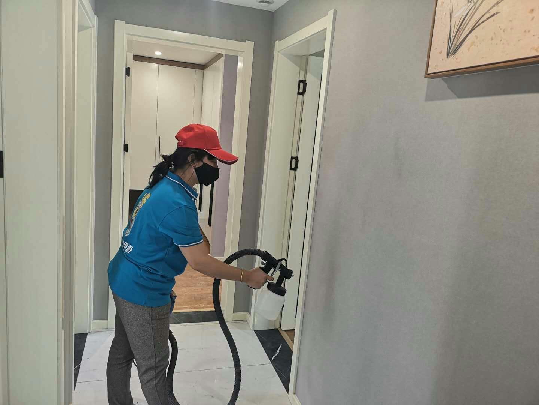 客厅过道墙面全方位喷涂治理