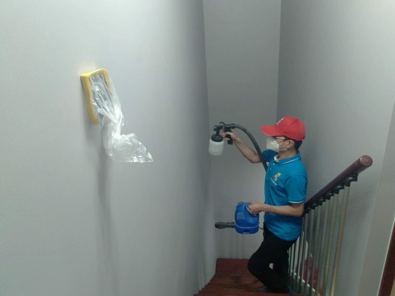 楼梯过道墙面滚筒施工治理甲醛