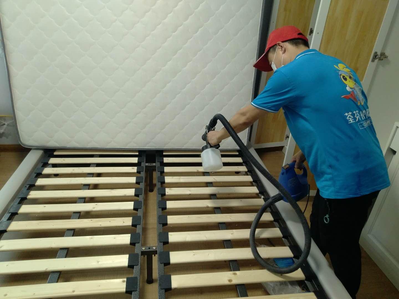 新房除甲醛床架施工