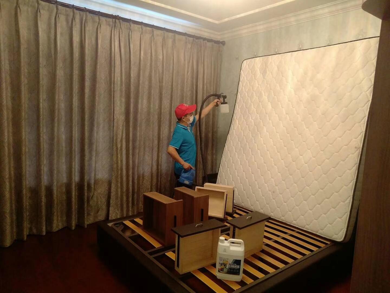 新房除甲醛床及床垫施工