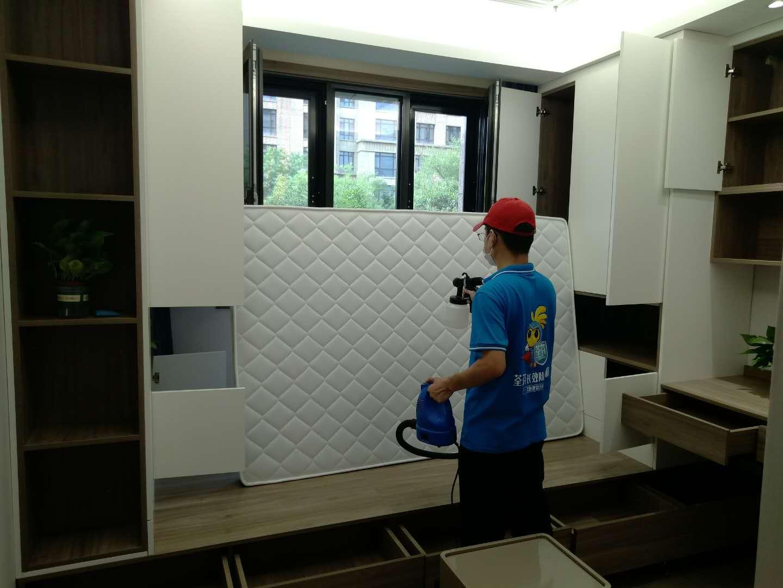 新房除甲醛沙发垫施工