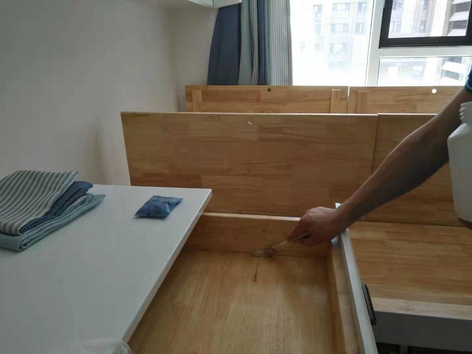 柜子抽屉刷子精细化施工治理