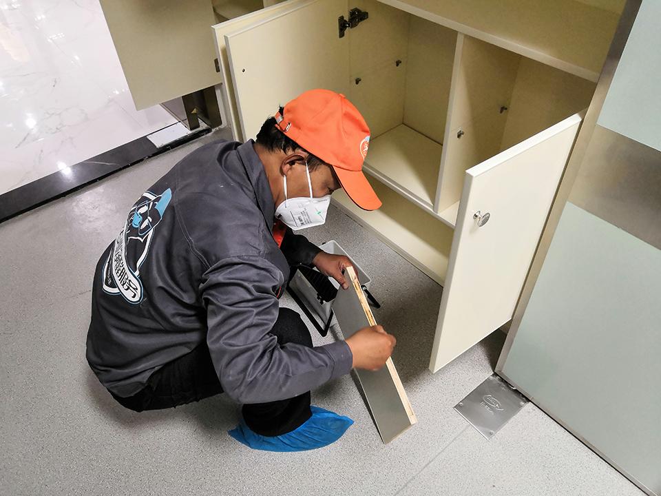 柜子木板接缝处精细化处理